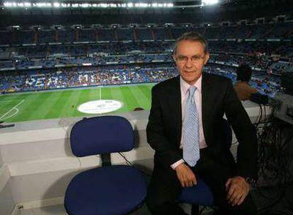 José Ángel de la Casa, en la cabina de comentaristas del Santiago Bernabéu, el pasado sábado.