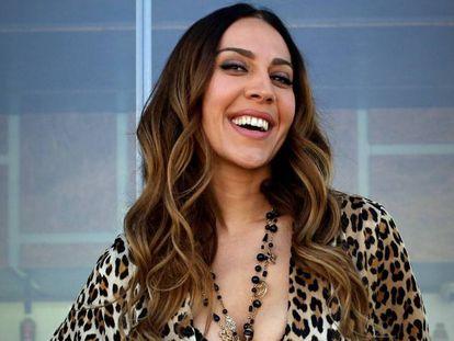 La cantante y presentadora Mónica Naranjo, en Madrid, en 2019. En vídeo, tráiler del reality.
