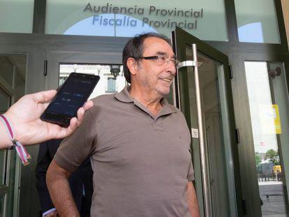 El socialista Ángel Franco ante la Audiencia Provincial de Alicante.