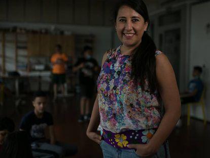 La actriz mexicana Nadia Zúñiga, en un taller de teatro para niños en Terrassa.
