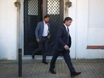 El fiscal anticorrupción de Barcelona, Fernando Bermejo, tras el registro de la casa de Oleguer Pujol.