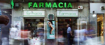 Una farmacia en la calle Preciados el día del comienzo del copago.