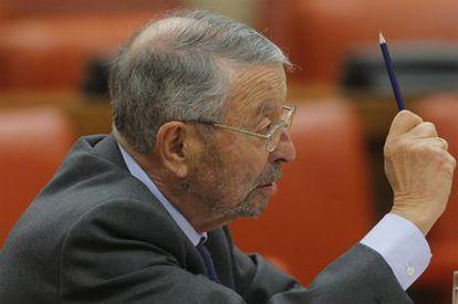 Alberto Oliart, durante una comparecencia en el Congreso de los Diputados.