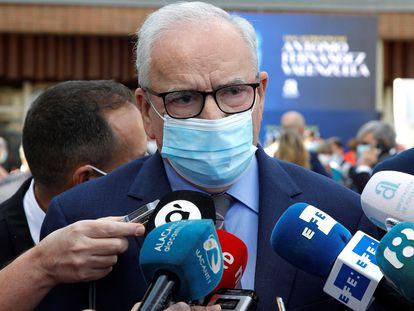El exvicepresidente del Gobierno Alfonso Guerra tras participar en un acto en Alicante, este miércoles.