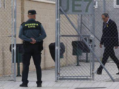 El presidente de la Genaralitat, Quim Torra, llega a la prisión de Estremera.