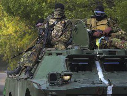 Miembros del ejército ucraniano patrullan los alrededores de la ciudad de Kramatorsk, en el este del país.