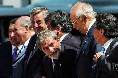 Lula da Silva (centro) junto a otros mandatarios latinoamericanos en la cumbre del Mercosur en 2004.