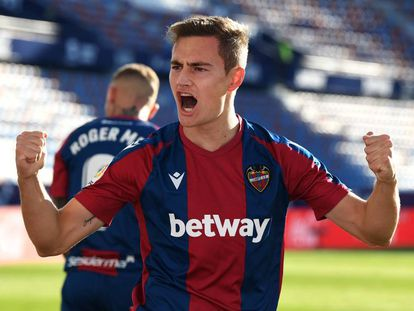 El jugador del Levante UD Jorge de Frutos en un partido de esta temporada.