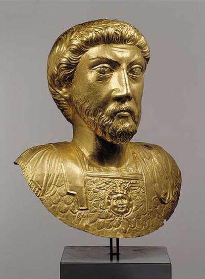 Busto de Marco Aurelio (1,5 kg. de oro) Del 180 d.J.C. Del museo suizo de Avenches.
