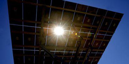 Detalle de uno panel solar de la empresa Rayosol.
