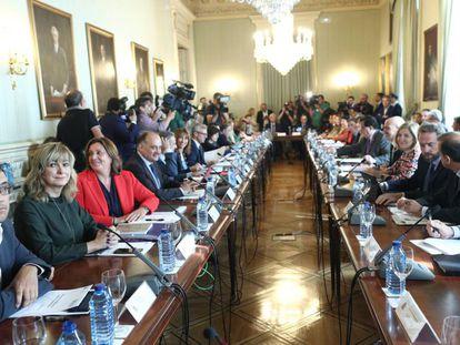 Reunión del Gobierno y las comunidades este jueves en el Ministerio de Política Territorial.