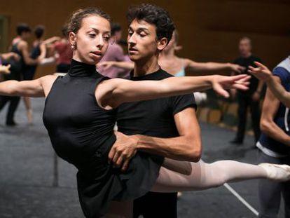 El joven bailarín Rinaldo Venutti participante en el curso IBStage.albert garcía