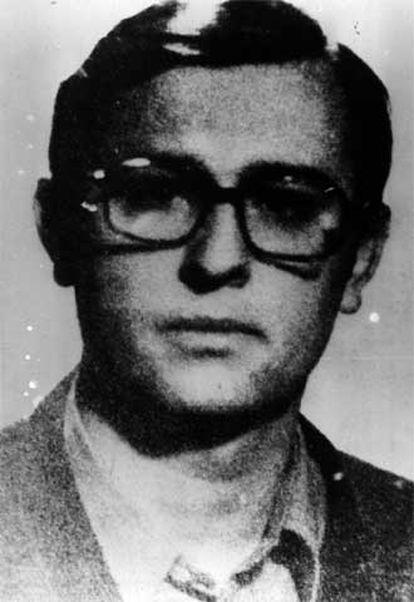 Eduardo Moreno Bergareche, <i>Pertur.</i>