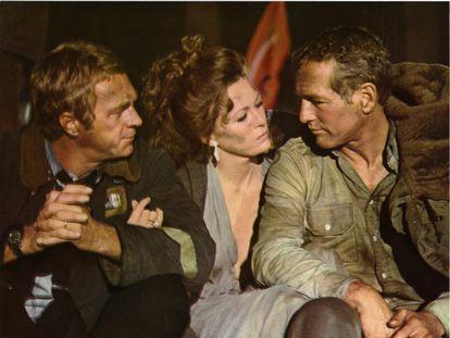 Steve McQueen, Faye Dunaway y Paul Newman en una imagen de 'El coloso en llamas' (1974).