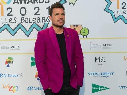 El cantante Dani Martín posa en la alfombra roja de los nominados a LOS40 MUSIC AWARDS 2021, este martes en Ibiza.