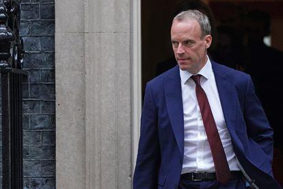 Dominic Raab abandona este miércoles Downing Street, después de recibir su cese como ministro de Exteriores.