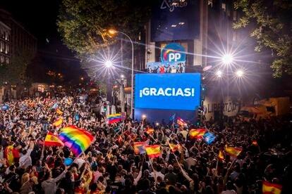 Celebración de la victoria del PP en la Comunidad de Madrid, este martes en Génova.