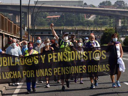 El Colectivo de Pensionistas de Santurtzi, Barakaldo y Bilbao, el pasado 15 de junio durante una manifestación.
