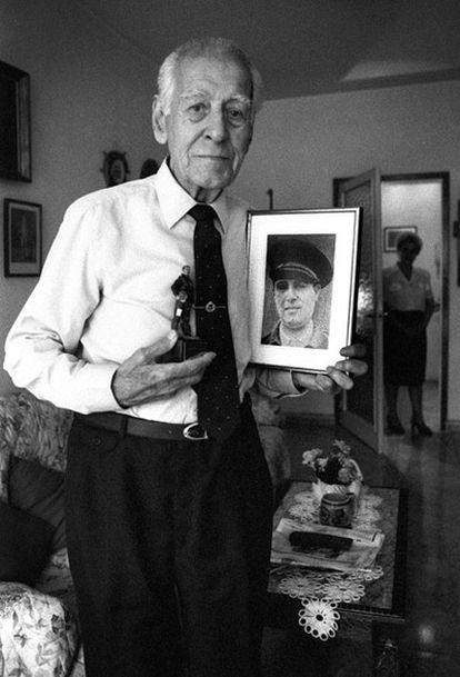 El aviador en su casa de Barcelona en 1997.