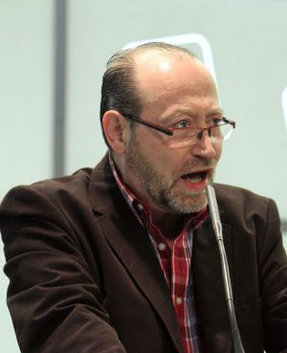 Miguel Reneses, en una reunión de la Presidencia federal de IU.