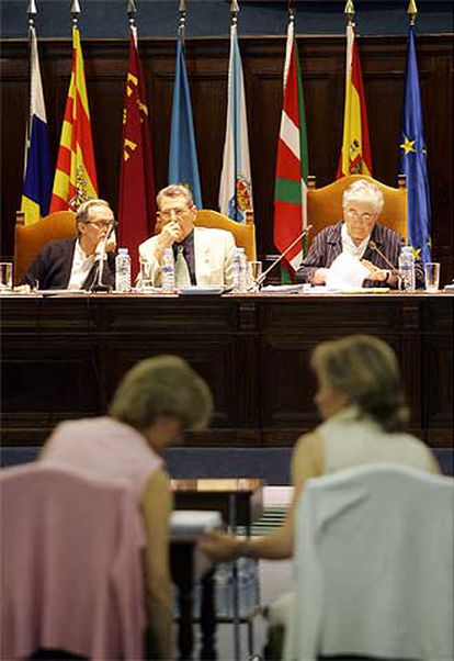 Pleno del Consejo Escolar del Estado celebrado en mayo de 2005.