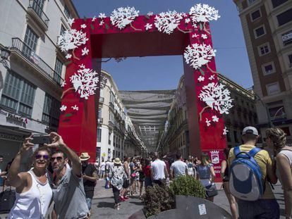 Una imagen de la Feria de Málaga en el centro de la ciudad, este domingo.