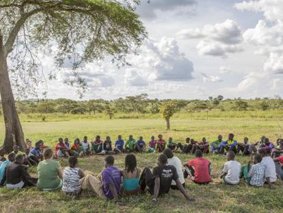 Reunión de jóvenes de Hope North, un centro construido en Uganda para rescatar a niños de los secuestros de los guerrilleros.