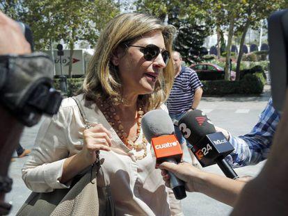 La exvicepresidenta del Consell Paula Sánchez de León a su llegada hoy al juzgado.