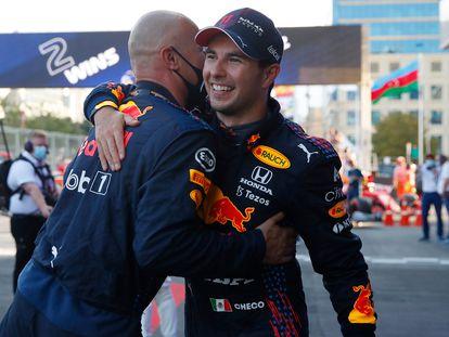 Checo Pérez, tras ganar el Gran Premio en Bakú, en el mes de junio.