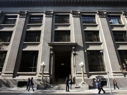 Vista del Banco Central de Chile en Santiago (Chile), en una imagen de archivo.