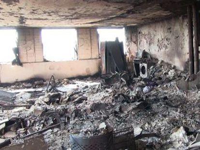 La Policía de la capital británica difunde las imágenes de las viviendas calcinadas de la Torre Grenfell, donde los forenses siguen buscando víctimas mortales