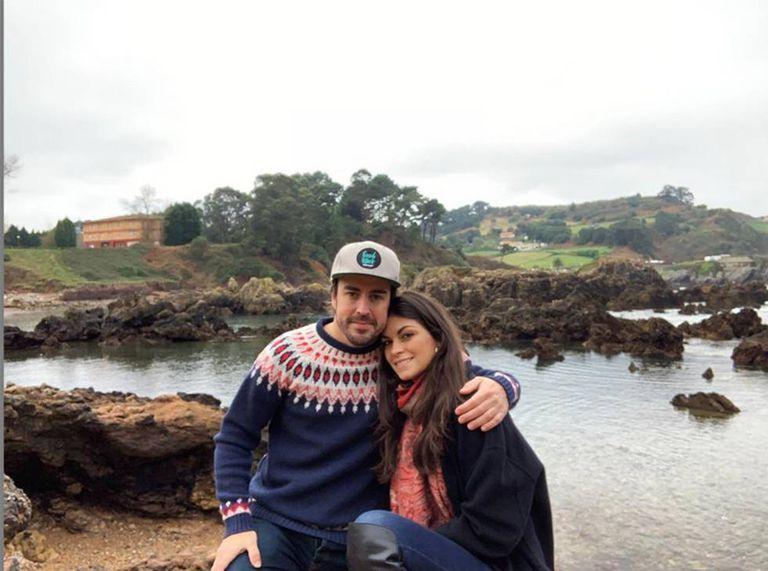 Fernando Alonso, con su novia Linda Morselli.