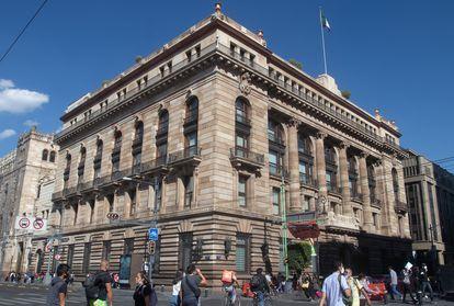 Facade of the Bank of Mexico (Banxico) in Mexico City.