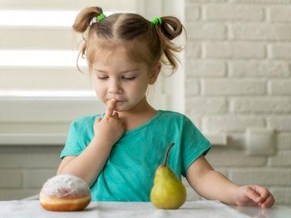 Los niños deben aprender a reducir el consumo de productos procesados. La grasa de palma da a los alimentos una textura suave, cremosa y consistente que les 'engancha'.