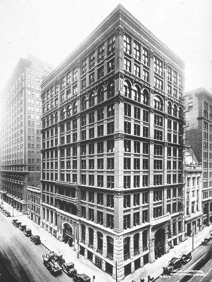 Imagen del Home Insurance Building de Chicago, diseñado por William Le Baron Jenney en 1885 y considerado por la mayoría de arquitectos como el primer rascacielos moderno.
