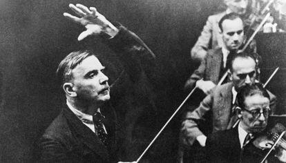 Othmar Schoeck dirige a la Orquesta de La Scala en el Festival de Lucerna en 1941.