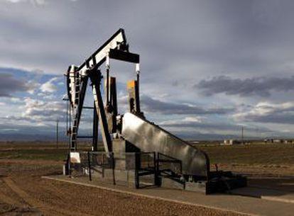Pozo de extracción de petróleo mediante fraccionamiento hidráulico.