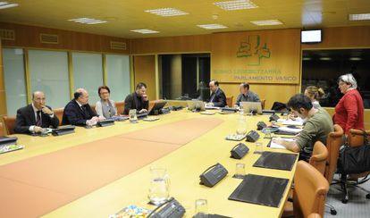 Comisión de investigación del caso De Miguel en el Parlamento vasco en 2010