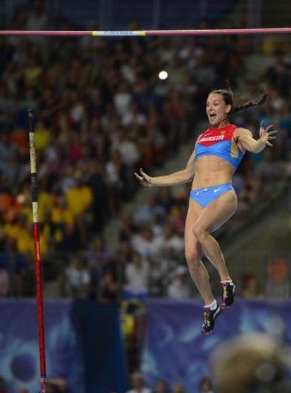 Isinbayeva, en el salto que le dio el título mundial.
