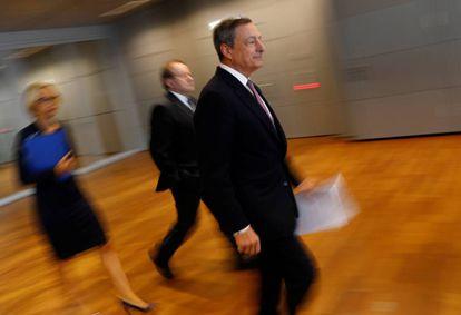 Mario Draghi llega a la rueda de prensa del BCE en Fráncfort