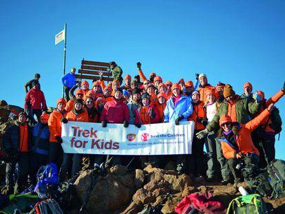 El equipo de GSK que subió el Monte Kenia para recaudar fondos a favor de Save the Children.