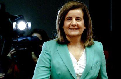La ministra de Empleo, Fátima Báñez, a su llegada al Congreso.