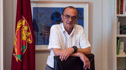 El alcalde Miquel Pueyo, en su despacho del Ayuntamiento de Lleida.