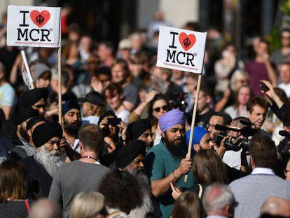 Vigilia en Albert Square de Manchester por las víctimas, este martes