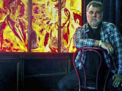 Benito Zambrano,director y guionista de cine en 'El Viajero' en La Latina, el barrio donde vive.