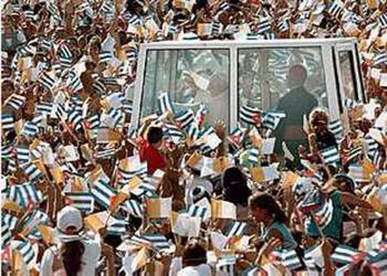 Juan Pablo II en Camagüey durante su viaje a Cuba en 1998.