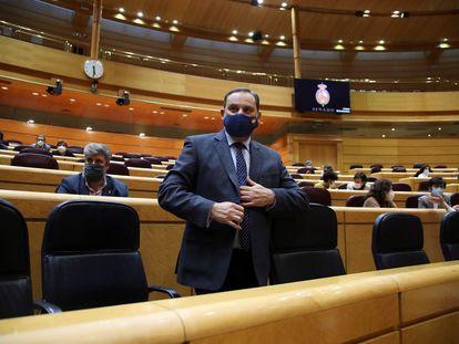 El ministro de Transportes, José Luis Ábalos, en una sesión en el Senado.