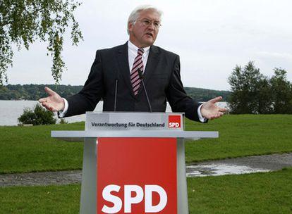 El ministro de Exteriores, Frank-Walter Steinmeier, del SPD, hoy durante una rueda de prensa