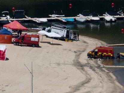 Operativo de búsqueda de la niña que cayó al pantano de San Juan el martes por la tarde.