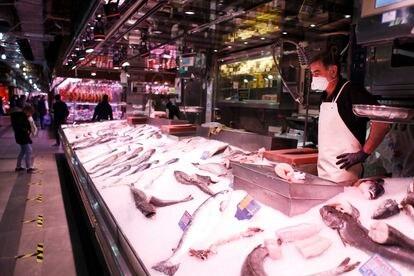 Pescadería en el Mercado Maravillas de Madrid.